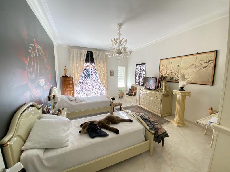 Nue-propriété bandol - 83150 bouquet 2 000 000E - ref 2011